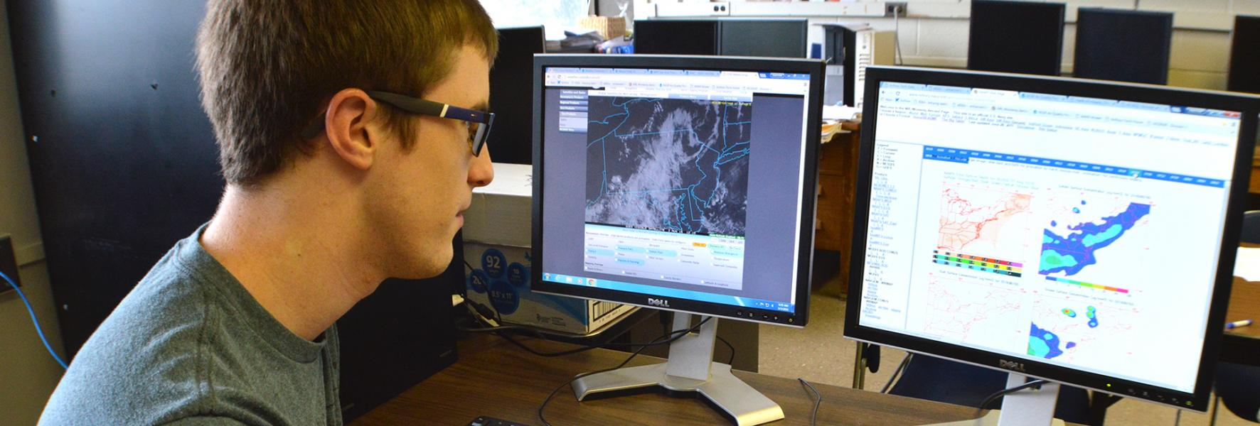 Student in GIS lab